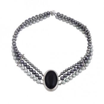Collar de tres hilos de perlas barrocas con pendiente en plata 950 con gran obsidiana cabuchón ovalada engarzada en plata 950