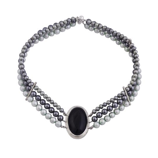127193f057be Collar de perlas con obsidiana engarzada en plata 1000 - Sarah Kosta