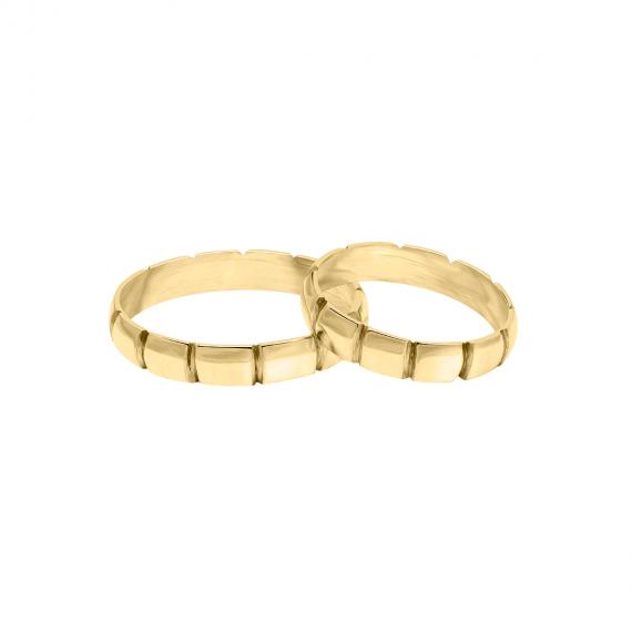 sarah-kosta-joyas-alianzas-en-oro-amarillo-18-kt-con-detalles-biselados-weauam4mb_a